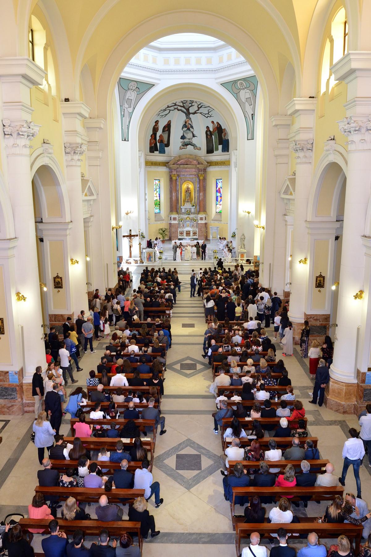 Santa maria regina pacis ostia parrocchia regina pacis for Di tommaso arredamenti ostia